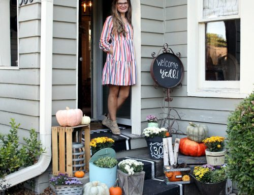 Fall Porch Decorating 101: It's All in the [Black] Details
