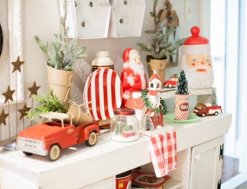 How to Decorate for the Holidays in Small Spaces